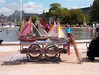 Tuileries-bateaux-sailboats-paris